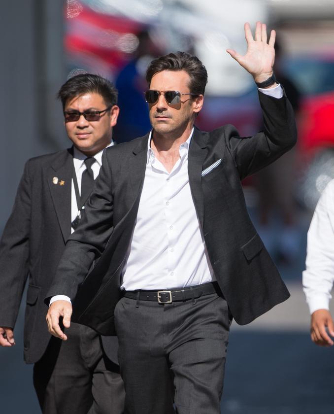A Mad Men ikonikus alakja, a szexszimbólum Jon Hamm kedden Jimmy Kimmel vendége volt