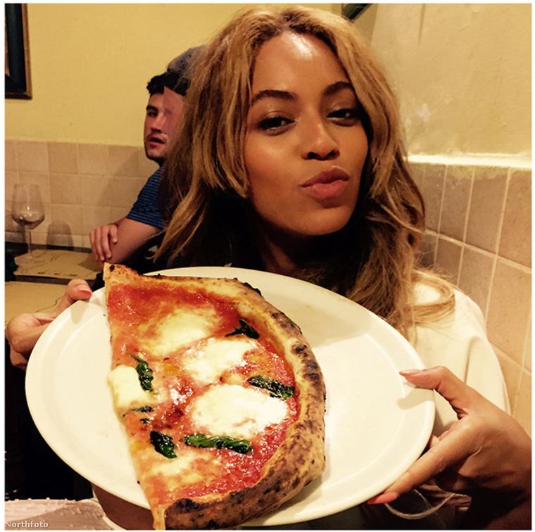 Beyoncé egy fél pizzával.