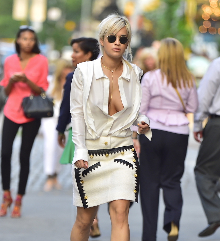 Rita Ora is kitett magáért a héten