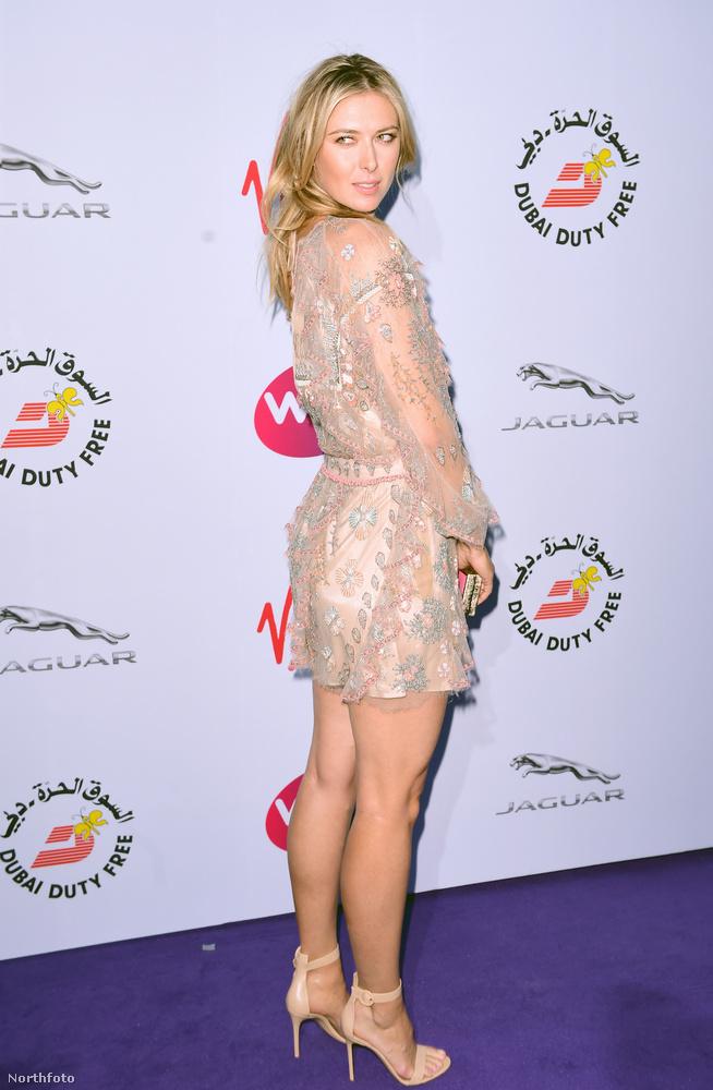 Maria Sharapova esetében eddig sem volt kérdés a szépség, most is kitett magáért.