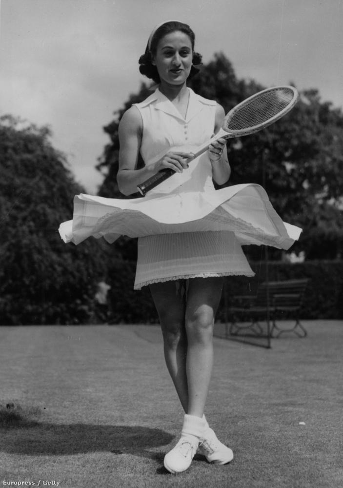 Az amerikai Dorothy Levine ruhája 1954-ből
