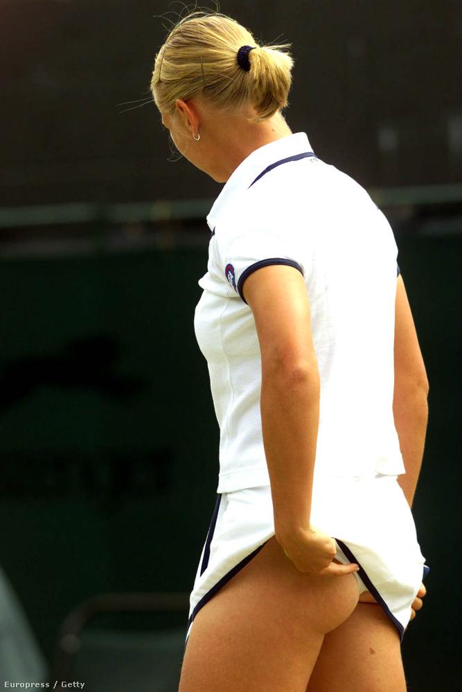 Rövidségben a csúcstartó valószínűleg a Eurosport szakkomentátora, az egykori teniszjátékos, Barbara Schett, aki az 1999-es tornára gyakorlatilag egy pólóban érkezett.