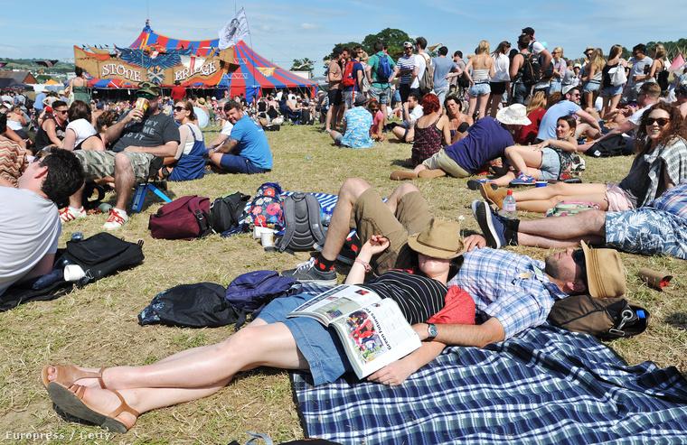 Mint minden valamirevaló fesztiválon, így a Glastonbury-n is van, hogy a fesztiválozók elfáradnak
