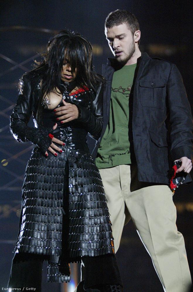 Egészen 2004-ig viselhette magát ennyire bátran, ugyanis a Super Bowl showjában Justin Timberlake letépte róla a felsőt, és kivillant a melle