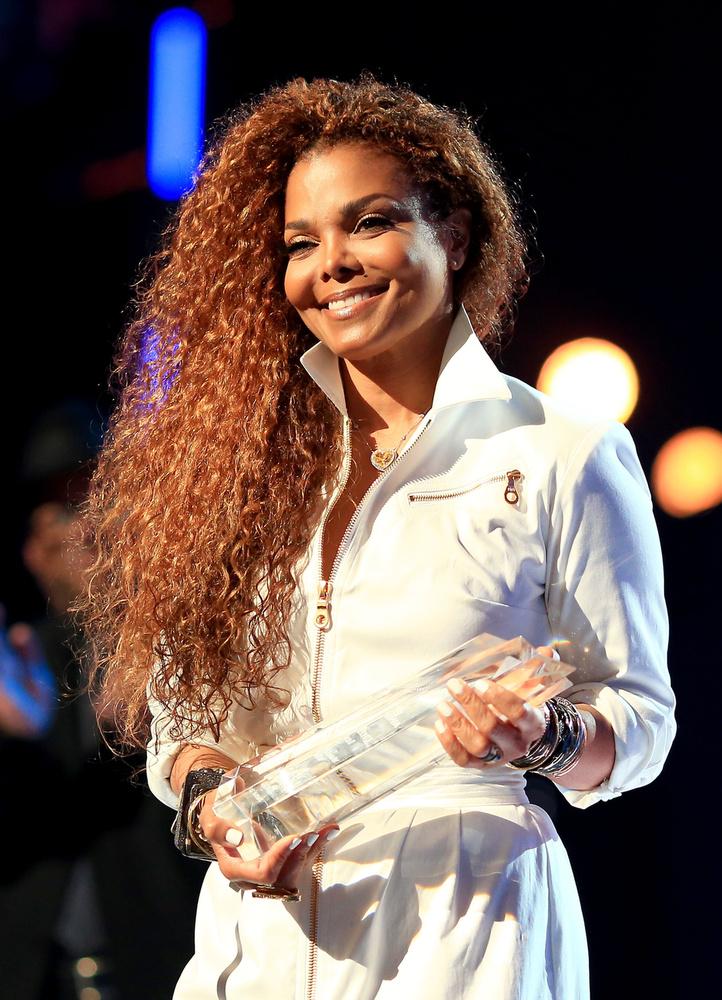 Janet Jackson mondjuk csak szimplán jól nézett ki