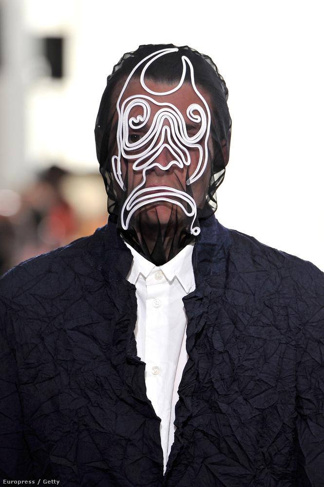 Julien Davidet talán a harisnyát a fejükre húzó betörők inspirálták