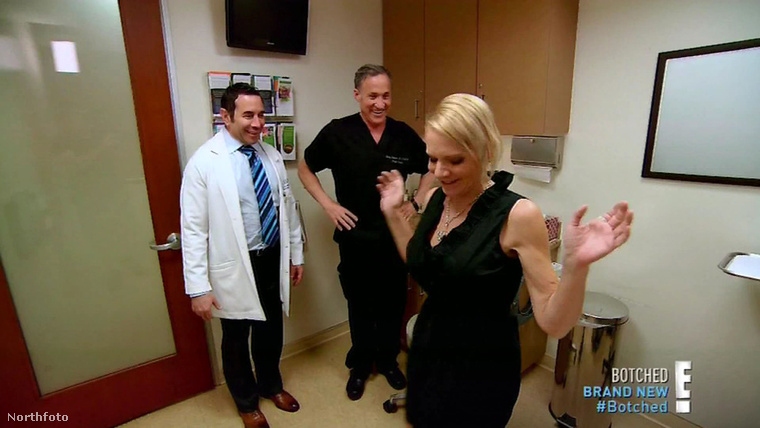 Dee Stein végre boldog, túlélte a műtéteket, és elavult, egészségére is veszélyes implantátumaitól is megszabadították.
