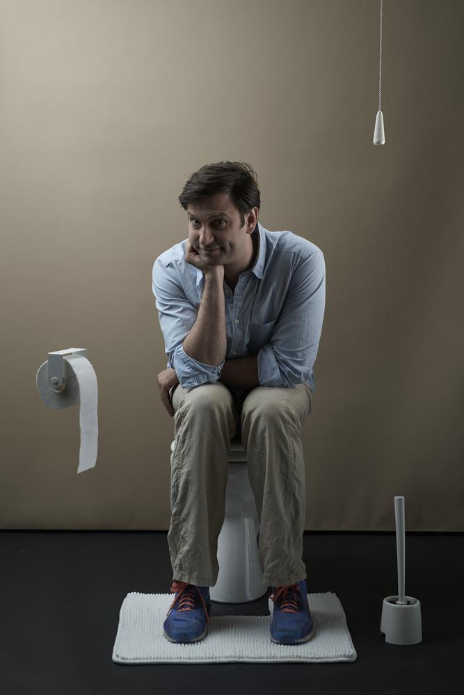 Ne tévessze meg önöket Simon Kornél színész félmosolya, az érintettek állandó gondozásra szorulnak, panaszmentes és panaszos időszakok váltják egymást, egy-egy nehezebb periódusban pedig a betegek életvitele jelentősen megváltozik.