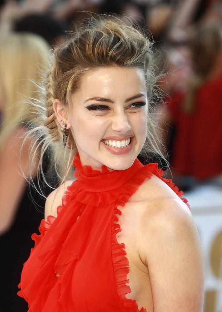 Johnny Depp felesége, Amber Heard színésznő június 30-án Londonban járt, a Magic Mike XXL című film premierjén.