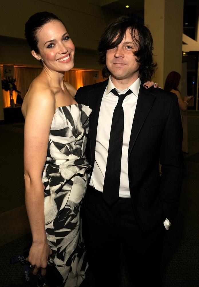 Mandy Moore öt év házasság után, januárban jelentette be, hogy elválik  Ryan Adams énekestől.