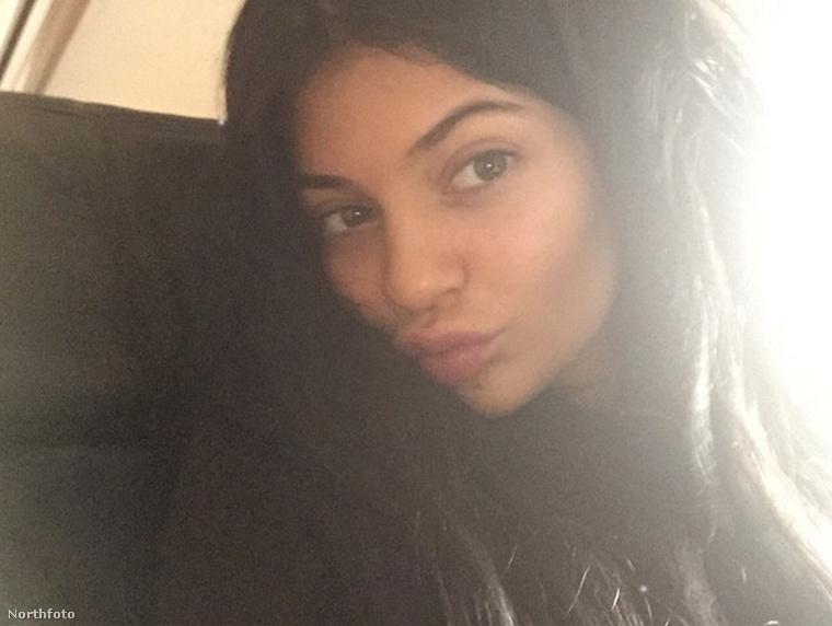 Ritka pillanatok egyike: Kylie Jenner smink nélkül