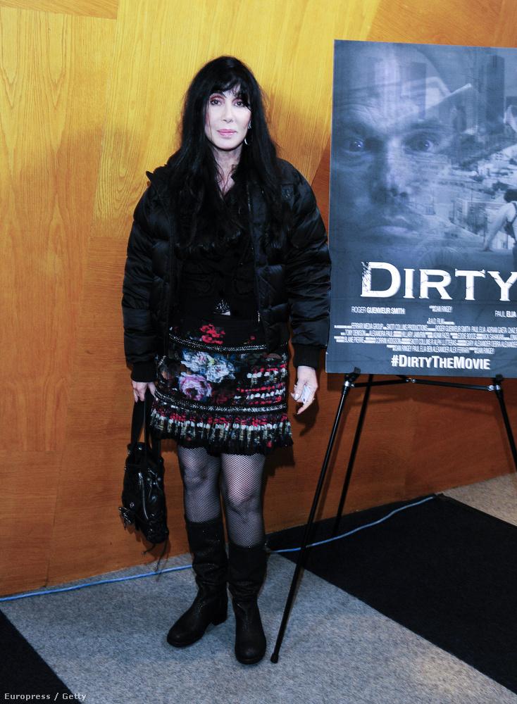 Ez pedig márciusban készült róla a Dirty című film bemutatóján.