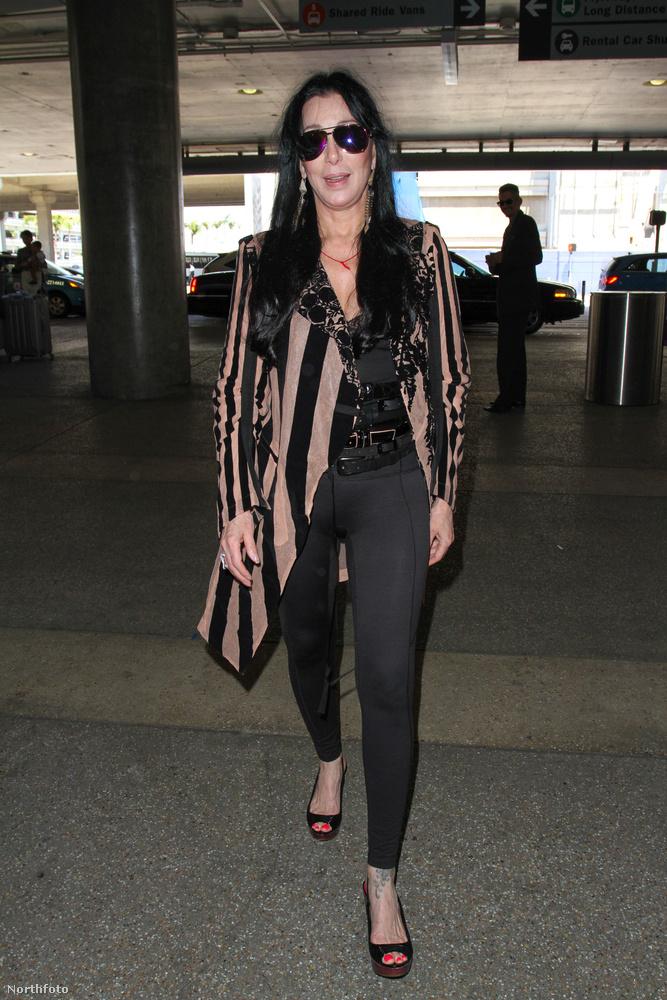 Júniusi kép a Los Angeles-i reptérről