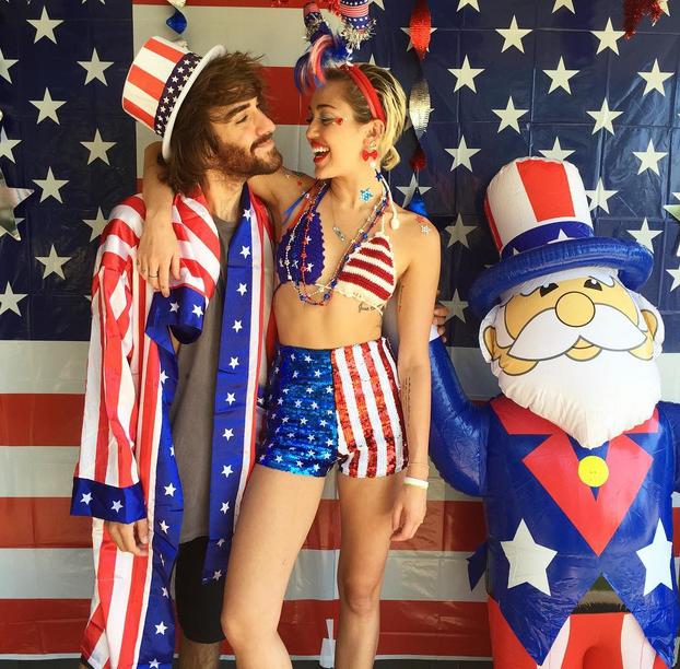 De Miley Cyrus se nagyon maradt le tőle