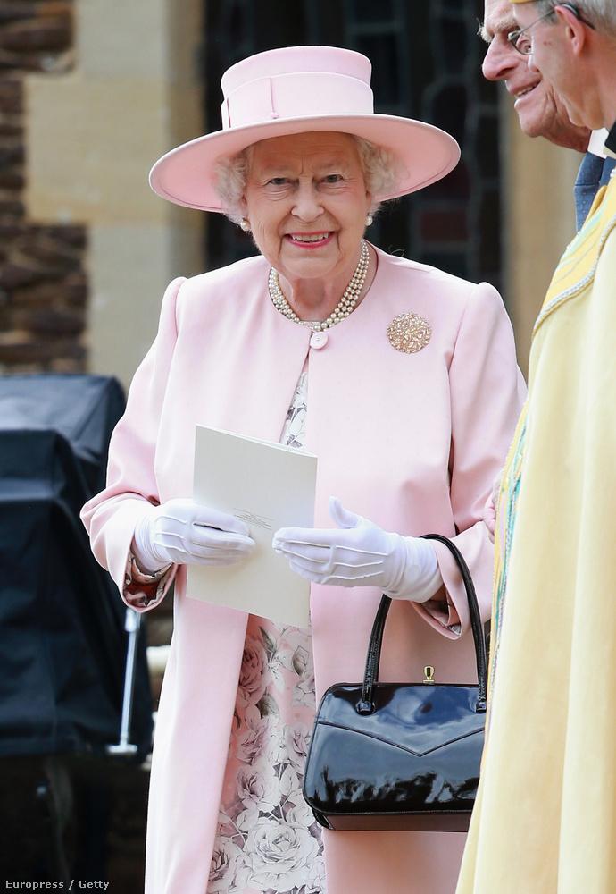 Ahol Erzsébet királynő is ott volt, vagyis ez tényleg egy olyan esemény, ahol mindenkinek nagyon elegánsan és visszafogottan kell viselkednie