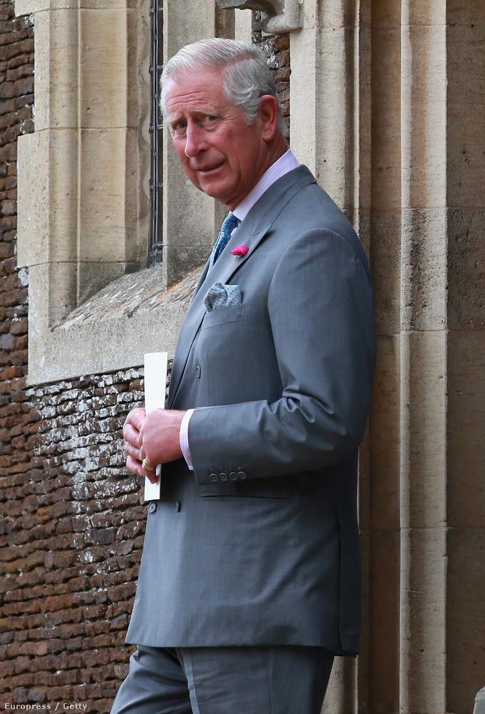 Nem biztos, hogy Károly örült volna, ha a fél világ látja a felesége bugyiját