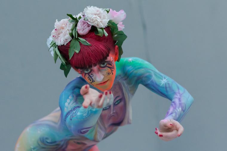 Elég tartós festékkel színezték a modelleket