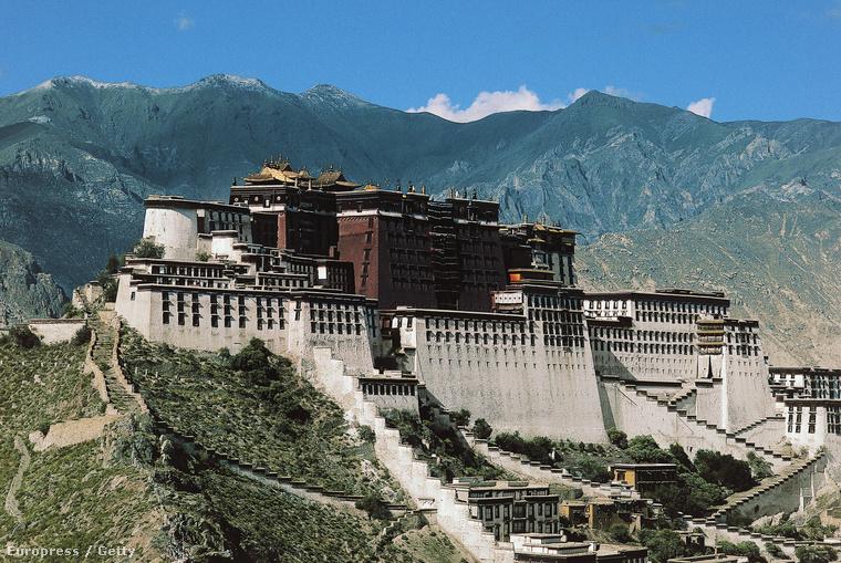 A tibeti buddhisták legfőbb vallási vezetőinek eredetileg Lhásza a központja