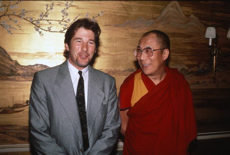 A színész elkötelezett buddhista, sokszor találkozott a dalai lámával is