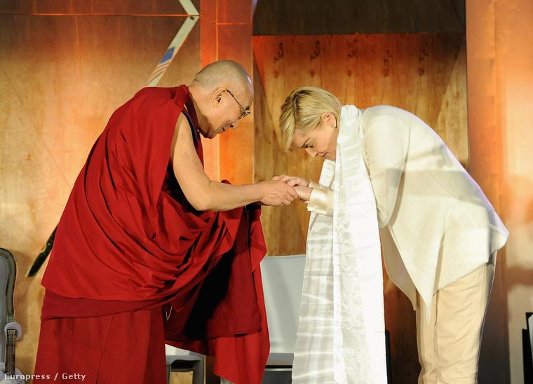 Sharon Stone még 2014-ben találkozott a dalai lámával