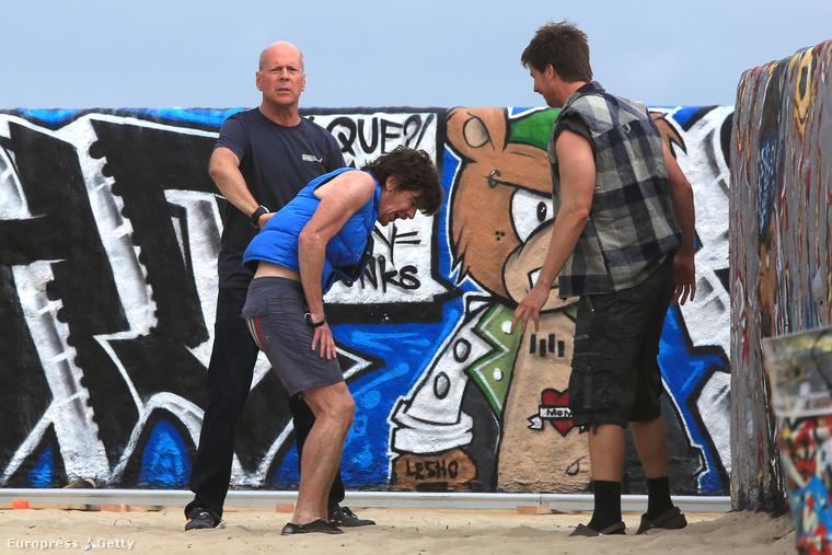 Az eset Kaliforniában, Venice Beach-en történt, egy gördeszkaparkban