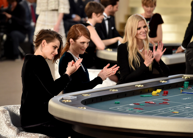 Kristen Stewart, Julianne Moore és Lara Stone játszanak.
