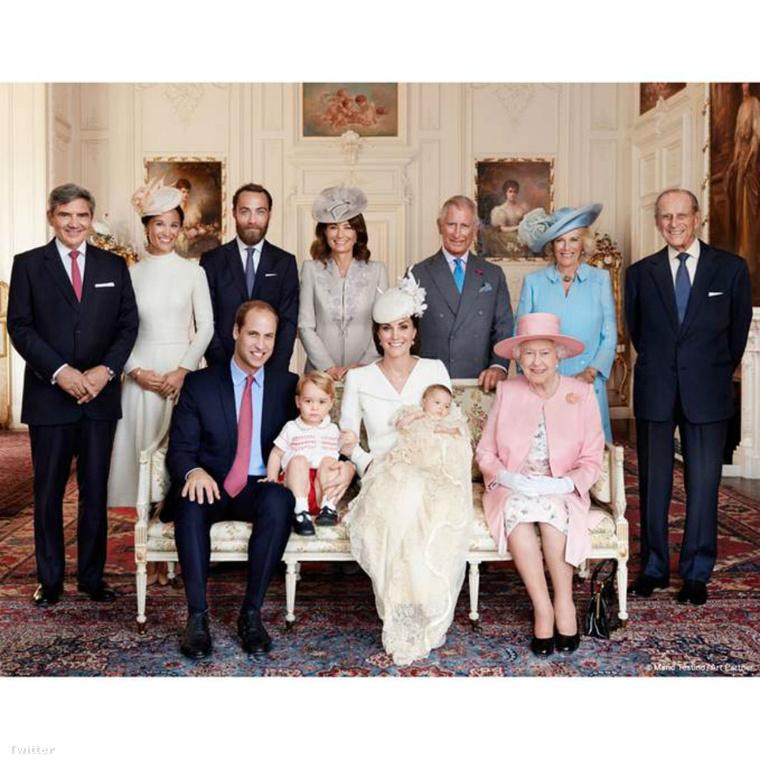 És itt az egész család, mindenki szépen összegyűlt az újszülött hercegné keresztelőjére