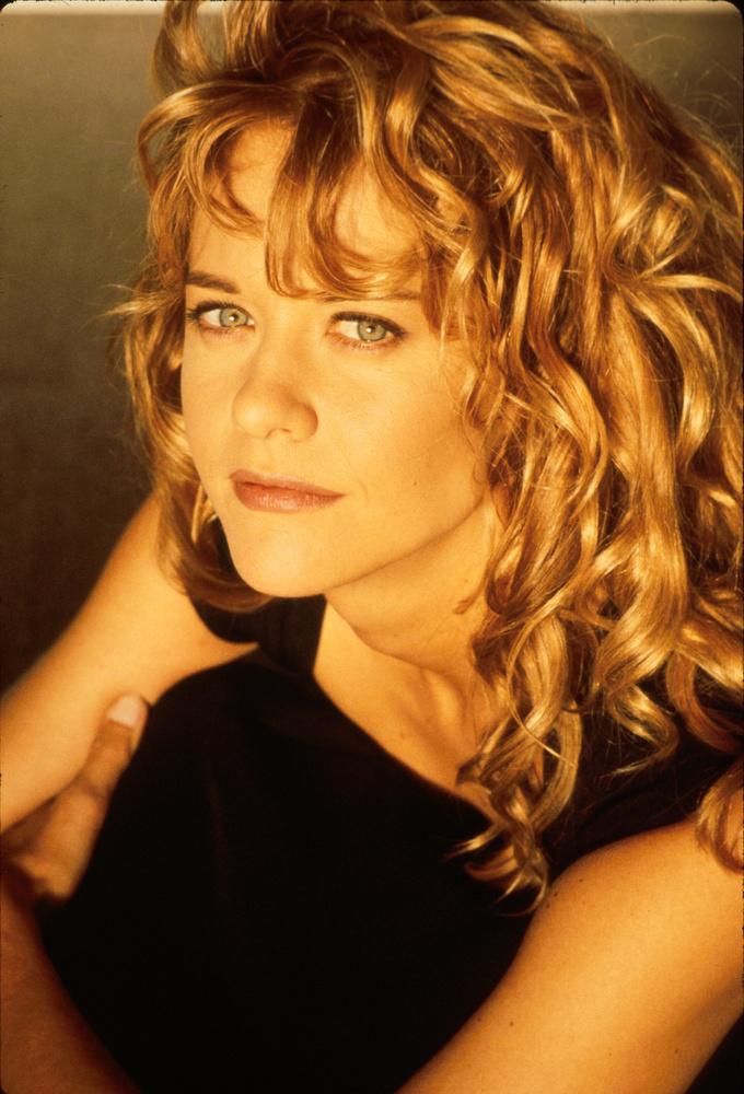 A kilencvenes években valamiért ő testesítette meg az értelmiségi, manhattani nőt, rengeteg romantikus filmben érzelgősködött