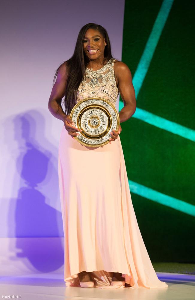 Williams a döntő utáni bulin már elegáns volt.