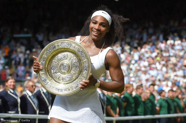 hogy szemtanúi legyenek Serena Williamsgyőzelmének is.Sajnos, pár képpel ezelőtti sejtetéseinkkel ellentétben valószínű, hogy A-listás celebek nem olvassák a Velvetet, de ha mégis megtennék, innen üzenjük, mind a győzelemhez, mind a grimaszokhoz szívből gratulálunk!
