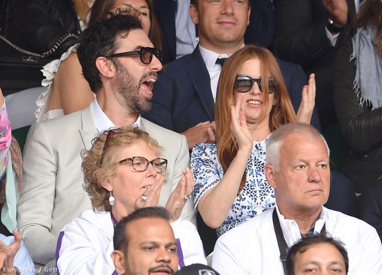 Sacha Baron Cohen és felesége, Isla Fisher talán azért ujjonganak ennyire, mert VV Edina és Laci mégsem szakítottak, így hát mehetnek együtt párosrandizni!