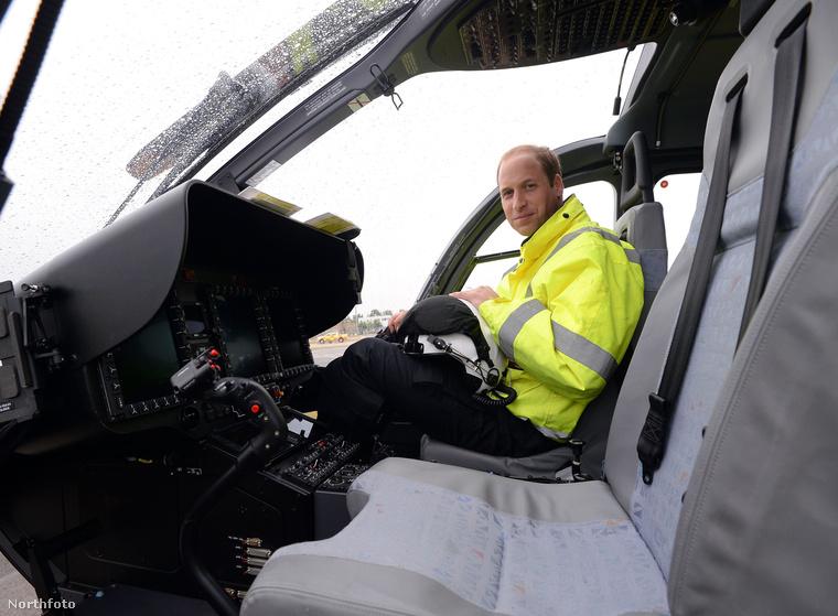 Igazi profi pilóta, hiszen a királyi légierőnél képezték ki.