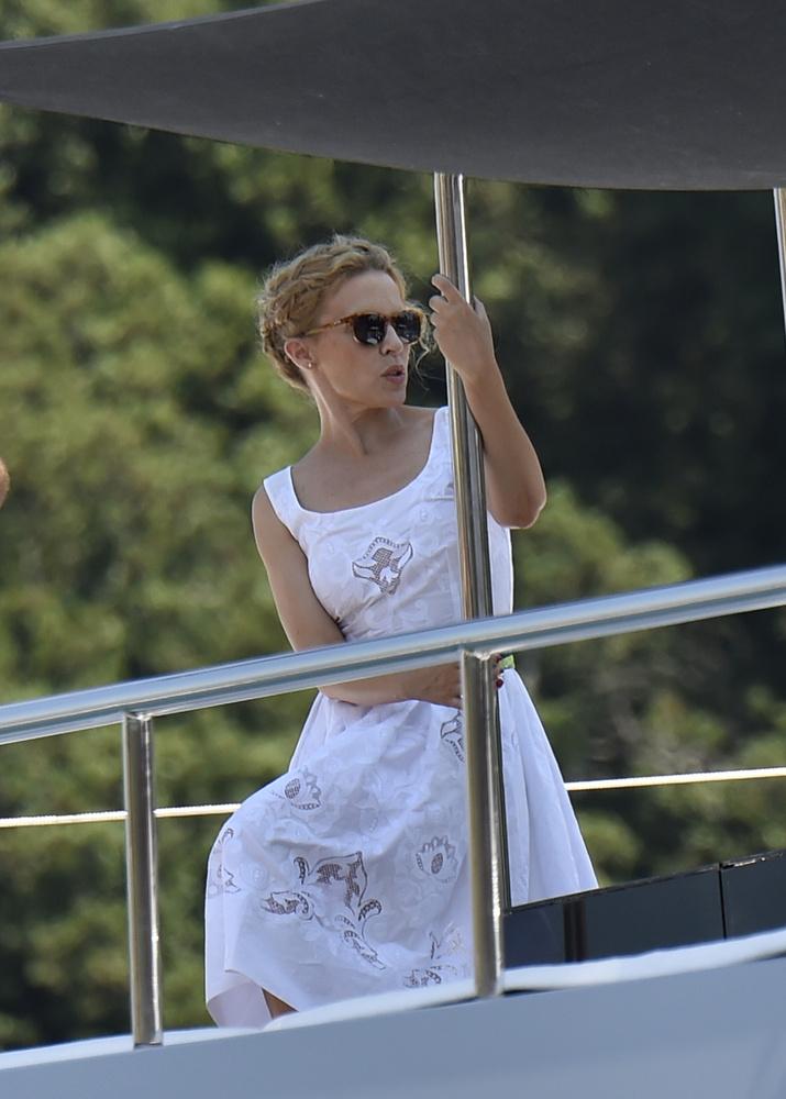 Kylie Minogue pedig Portofinóban van
