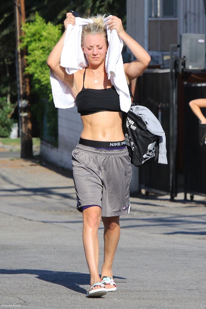Az agymenőkből megismert Kaley Cuoco nagyon népszerű a hollywoodi lesifotósok körében, rendszeresen megvárják a színésznőt például a jógaközpont előtt, ahova jár.