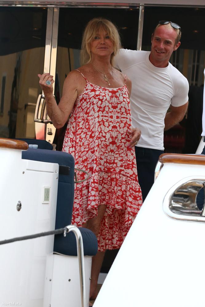 A színésznő Sylvester Stallone hajóján vendégeskedett Saint Tropez közelében