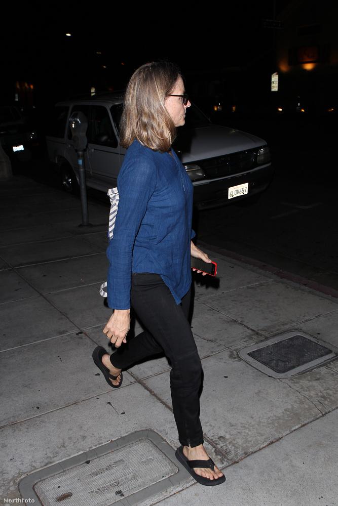 A színésznő kedden este egyedül ment szusizni egy Beverly Hills-i étterembe