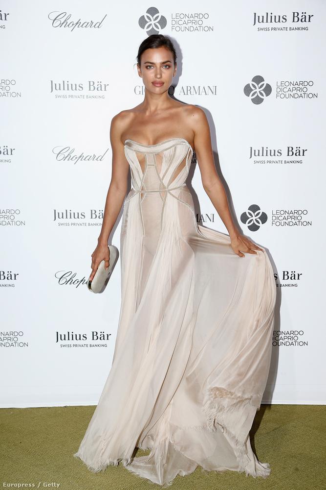 Irina Shayk most egyedül érkezett, pasija, Bradley Cooper valahol máshol szórakozhatott