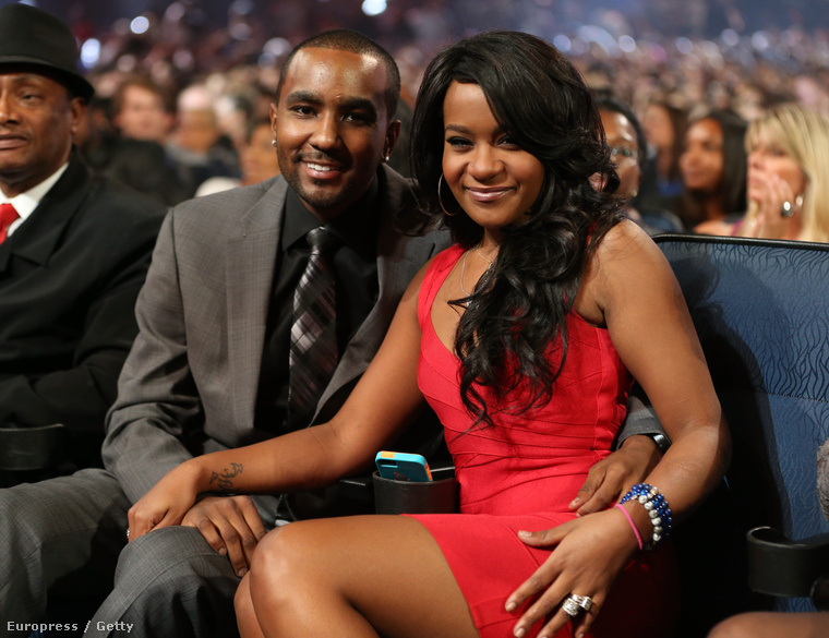 2012 nyarán Bobbi Kristina Brownt eljegyezte pasija, Nick Gordon, aki Whitney Houston nevelt fia volt, vagyis gyakorlatilag Bobbi Kristina mostohatestvére