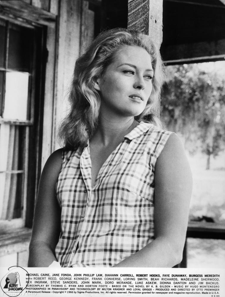 Faye DunawayA színésznőbe mindenki szerelmes volt, aki látta a Bonnie és Clyde-ot vagy a Vihar délen című filmet