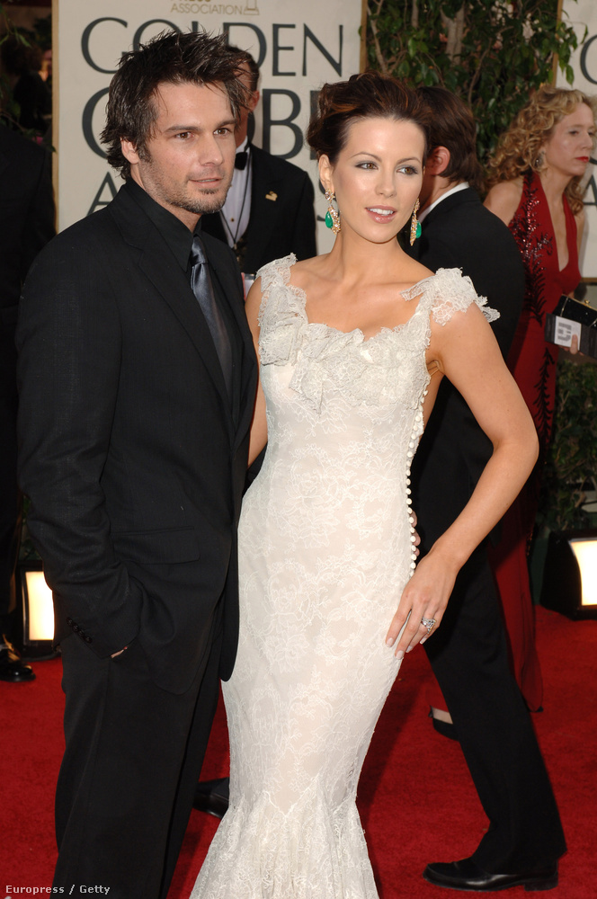 Itt láthatja a szerencsés Len Wisemant, akivel 2004-ben házasodtak össze