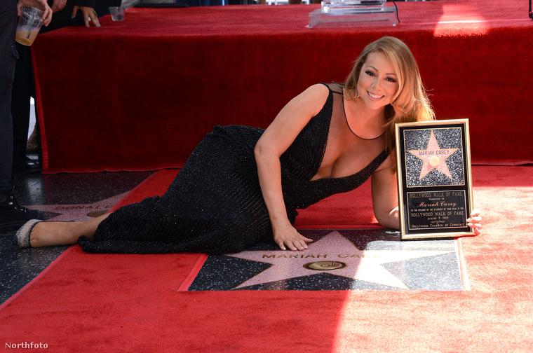 Mariah Carey csillagot kapott a Hírességek sétányán, és emiatt terült el ilyen kecsesen a földön