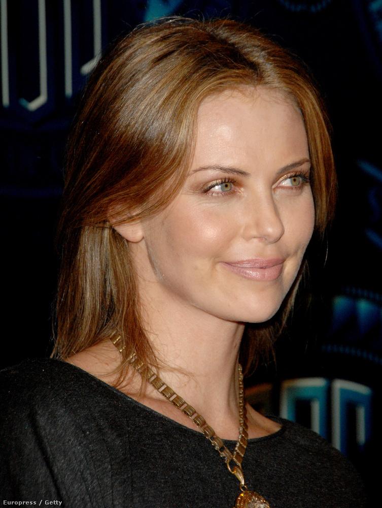 2007-ben pedig egészen úgy nézett ki, mint Kylie Minogue