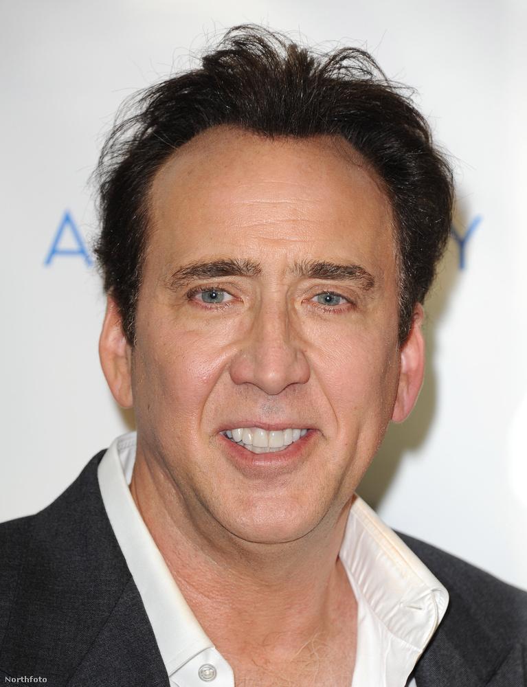 Ja, majd azt gondolták, hogy aput nem mutatjuk meg, mi? Íme, Nicolas Cage a Runner premierjén.