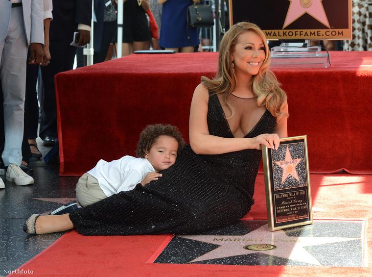 A héten Mariah Carey csillagot kapott a hírességek sétányán, gyermekei azonban rendesen széttrollkodták az eseményt.