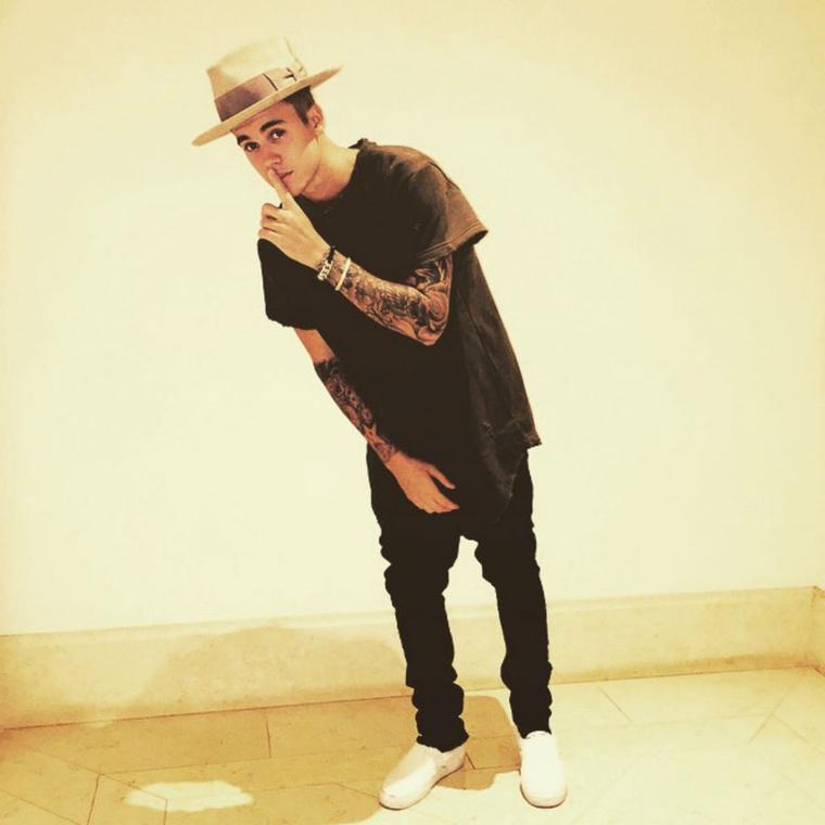 Justin Bieber a hatodik, 35,7 millió követővel.