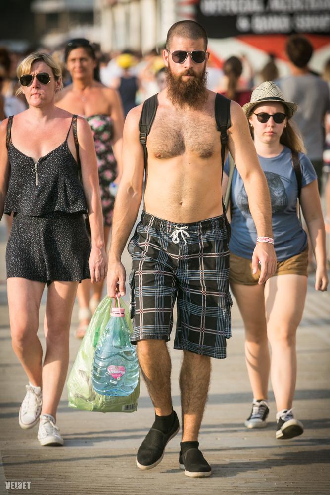 Ráadásul nemrég rossz hírét keltették a dús arcszőrzetnek, amit persze a szakállas férfiak ki is kértek maguknak