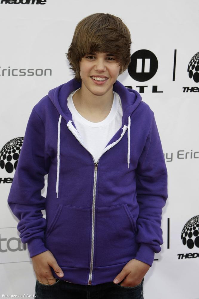 Justin Bieber 2008-ban futott be, a Youtube-nak és Ushernek köszönhetően