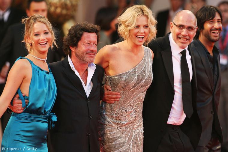 Aztán hirtelen, a semmiből ott volt a vásznon Charlize Theron mellett, ennek köszönhetően pedig a Velencei filmfesztivál vörös szőnyegén is
