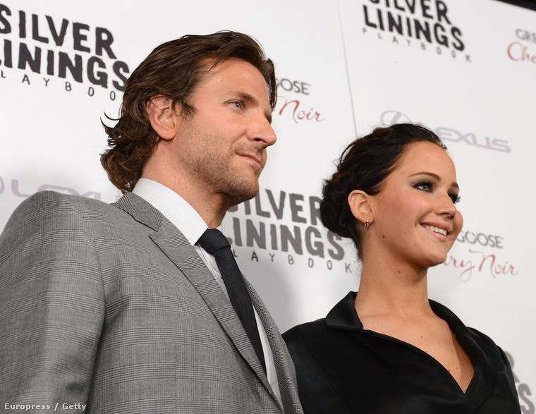 A Napos oldal című filmért, amiben Bradley Cooperrel játszott együtt