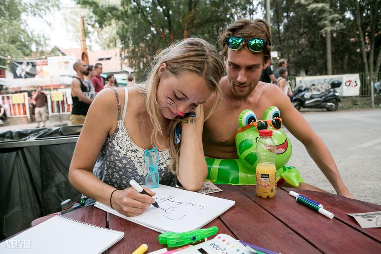 Ez a túl szép holland pár is rajzolt nekünk